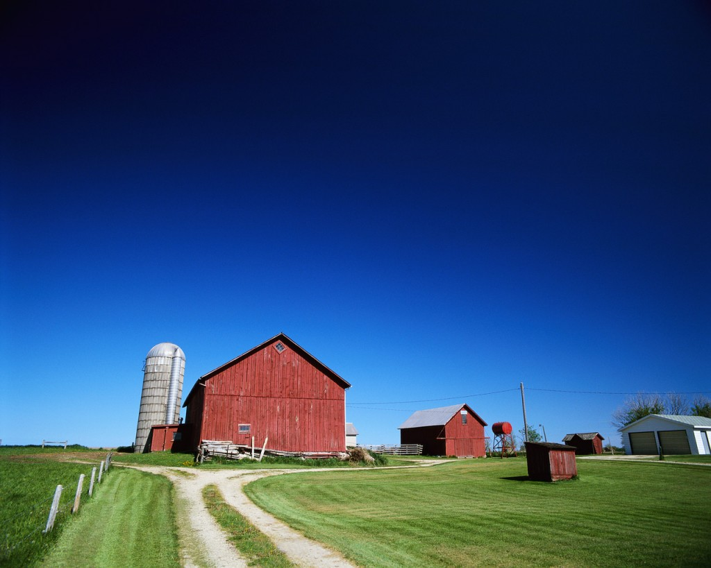 Barn and Silo, image courtesy Farm and Ranch Freedom Alliance